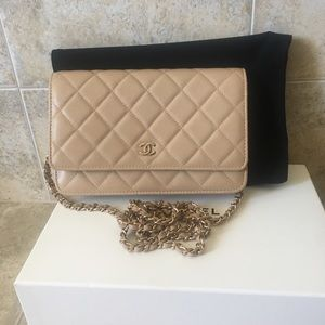 Chanel WOC ghw CrossBodyBag in New mint condition